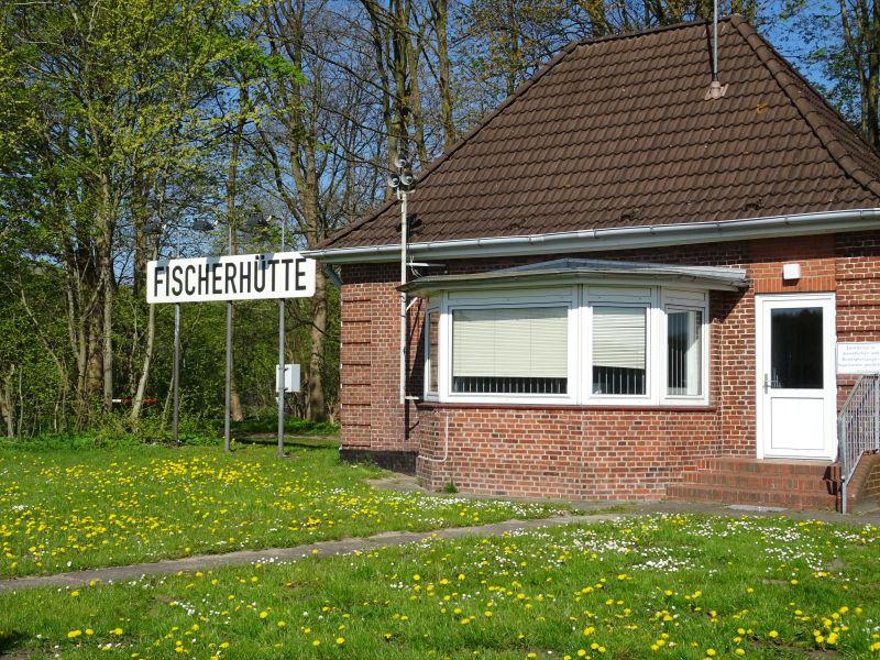 Faehranleger-Fischerhuette-Fahrradtour-am-Nord-Ostsee-Kanal
